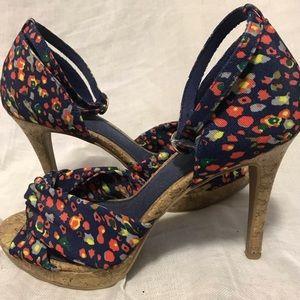 ⚡️HOST PICK⚡️Fioni floral cork heels size 7